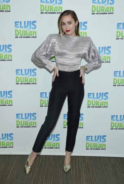Miley Cyrus Visits 'The Elvis Duran Z100 Morning Show':ニュース(壁紙.com)