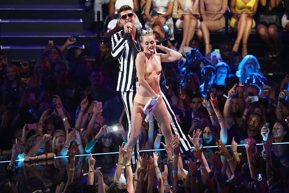 MTVビデオ・ミュージック・アワード「2013 MTV Video Music Awards - Show」:写真・画像(0)[壁紙.com]