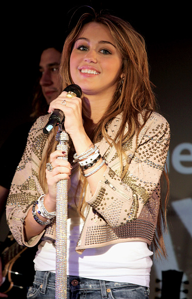 Eyeliner「ITunes LIVE From London: Miley Cyrus Performs」:写真・画像(8)[壁紙.com]