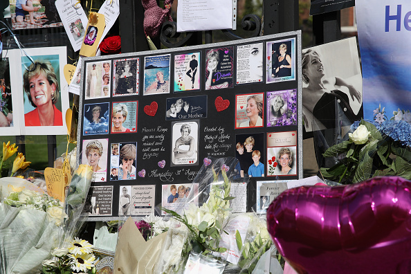 20th Anniversary「Kensington Palace On The 20th Anniversary Of The Death Of Princess Diana」:写真・画像(12)[壁紙.com]