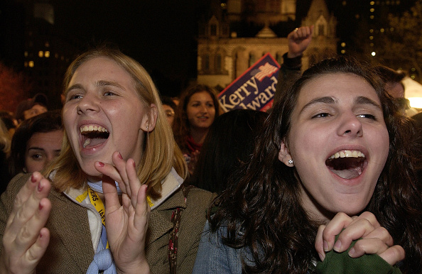 Stephen Chernin「Kerry Supporters Await Election Results」:写真・画像(0)[壁紙.com]