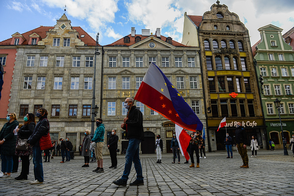 Poland「'Socially Distanced' Protests In Wroclaw On Polish Constitution Day」:写真・画像(13)[壁紙.com]