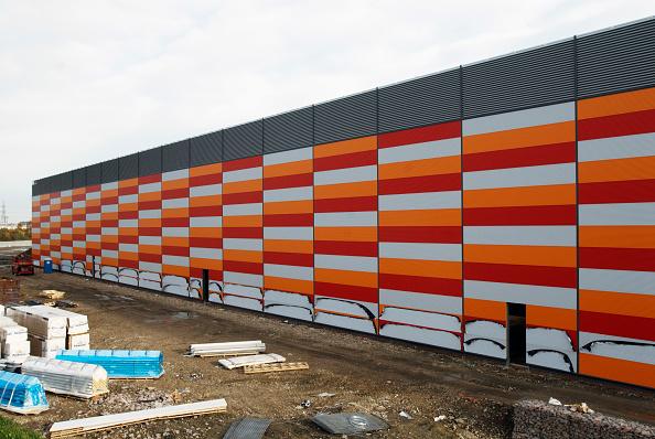 Multi Colored「New panelling on warehouse」:写真・画像(19)[壁紙.com]