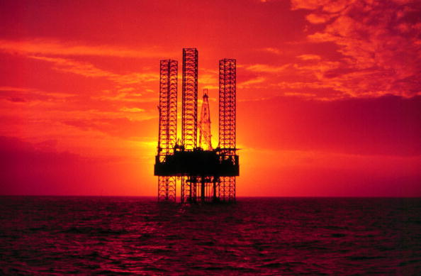 Gulf of Mexico「Pennzenergy Company Oil Exploration Drilling Rig In The Gulf Of Mexico During Sunset (Ph」:写真・画像(2)[壁紙.com]