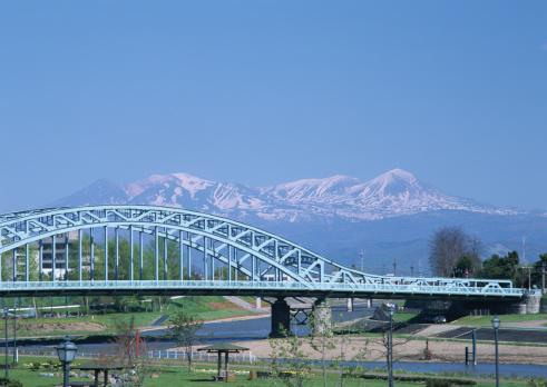Daisetsuzan Volcanic Group「Asahibashi Bridge and Mount Daisetsu」:スマホ壁紙(14)