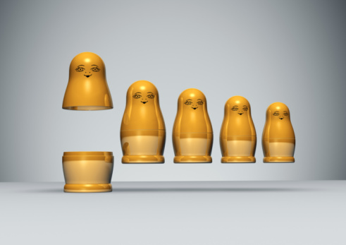 Doll「Row of golden Russian Dolls」:スマホ壁紙(9)