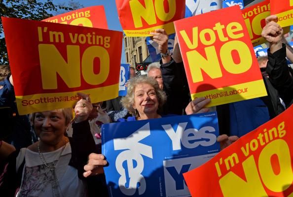 Scotland「John Prescott and Alistair Darling Join The Scottish Labour Battle Bus」:写真・画像(13)[壁紙.com]