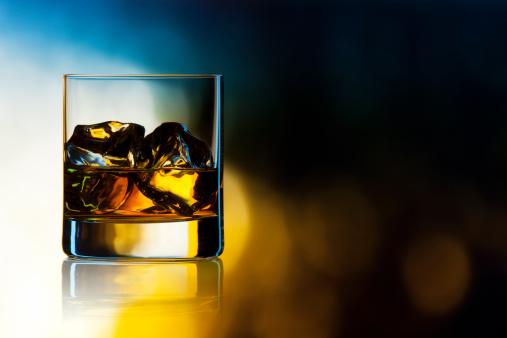 Whiskey「ウィスキーをロック」:スマホ壁紙(0)