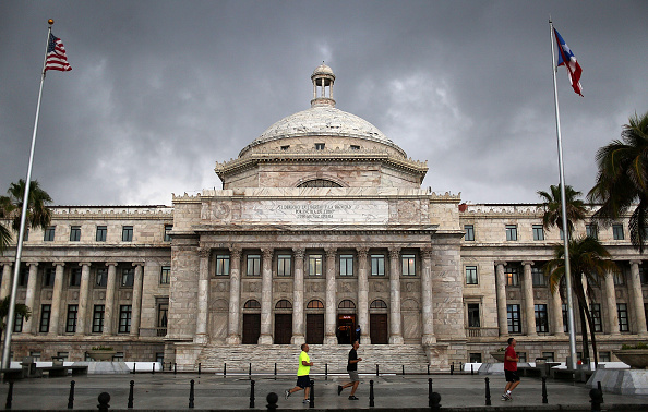 Debt「Puerto Rico Teeters On Edge Of Massive Default」:写真・画像(5)[壁紙.com]