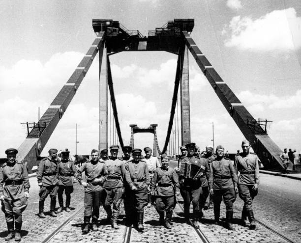 Soviets In Vienna:ニュース(壁紙.com)