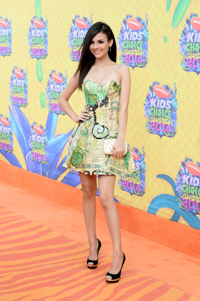 Atelier Versace「Nickelodeon's 27th Annual Kids' Choice Awards - Arrivals」:写真・画像(16)[壁紙.com]