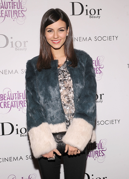 """Multi Colored「The Cinema Society And Dior Beauty Presents A Screening Of """"Beautiful Creatures"""" - Arrivals」:写真・画像(14)[壁紙.com]"""