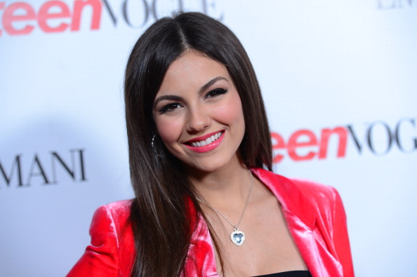 Straight Hair「Teen Vogue's 10th Anniversary Annual Young Hollywood Party - Arrivals」:写真・画像(1)[壁紙.com]
