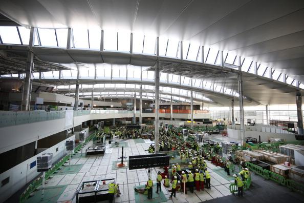 Heathrow Airport「Heathrow's New Terminal 2 In Construction」:写真・画像(14)[壁紙.com]