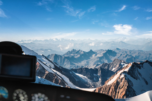 European Alps「Looking at Mont Blanc massif in french Alps mountains through helicopter cockpit window aerial view」:スマホ壁紙(0)