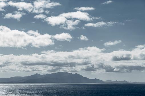太陽の光「Looking at Irish coastline , Cloudscape」:スマホ壁紙(10)