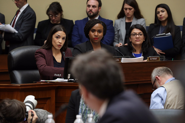 Alexandria Ocasio-Cortez「Former Trump Lawyer Michael Cohen Testifies Before House Oversight Committee」:写真・画像(11)[壁紙.com]