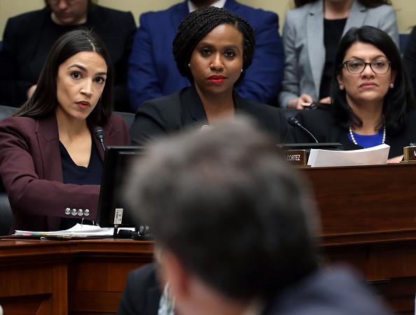 Alexandria Ocasio-Cortez「Former Trump Lawyer Michael Cohen Testifies Before House Oversight Committee」:写真・画像(17)[壁紙.com]