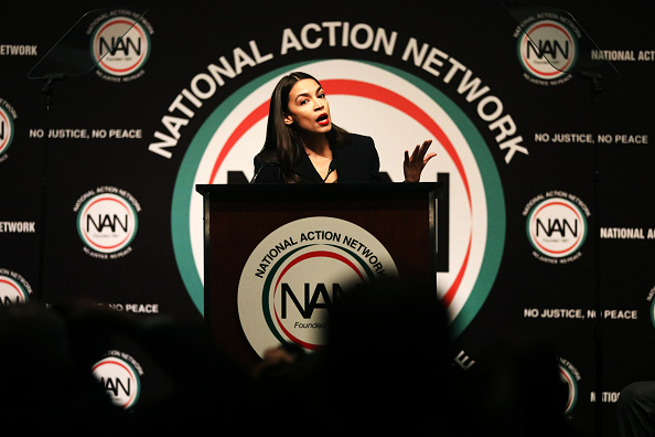 Alexandria Ocasio-Cortez「Presidential Candidates And Politicians Attend National Action Network Annual Convention」:写真・画像(10)[壁紙.com]