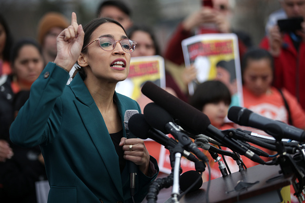 Alexandria Ocasio-Cortez「Democratic Lawmakers Call For Cutting Funding For President Trump's Deportation Force」:写真・画像(1)[壁紙.com]