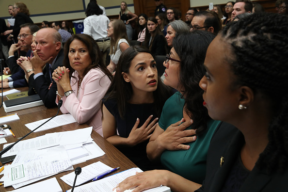 Alexandria Ocasio-Cortez「House Holds Hearing On The Trump Administration's Child Separation Policy And Allegations Of Mistreatment」:写真・画像(16)[壁紙.com]