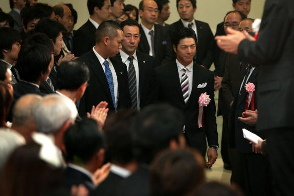 石川遼「Tokyo Stock Exchange Closes For New Year Holiday」:写真・画像(3)[壁紙.com]