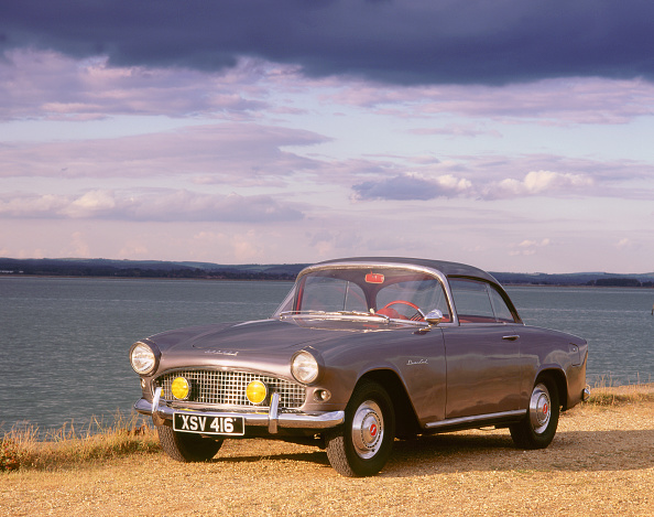 Collector's Car「1957 Simca Aronde Pleinciel」:写真・画像(6)[壁紙.com]