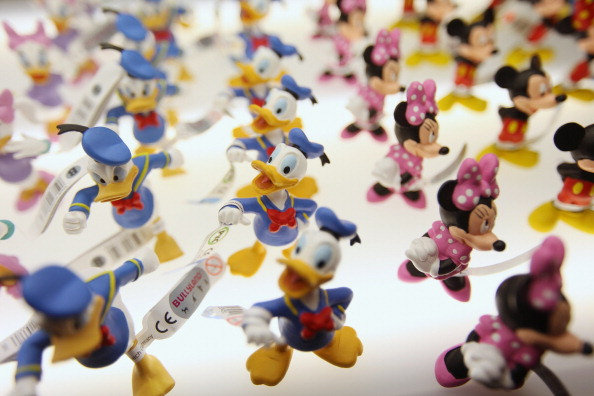 ミニーマウス「Toy Enthusiasts Attend The Toy Fair 2012」:写真・画像(8)[壁紙.com]