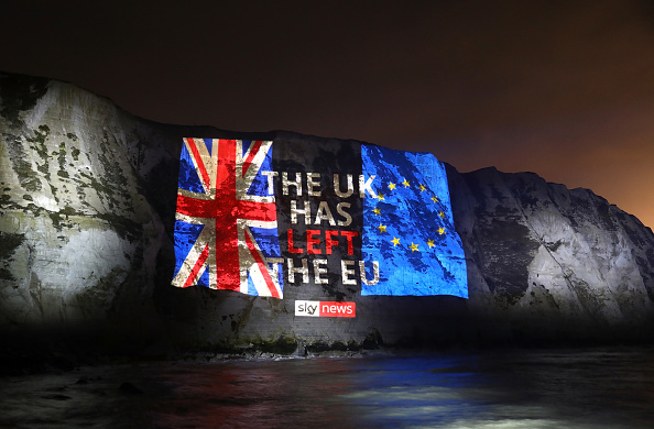 Brexit「Sky News marks Brexit day by projecting a farewell message on the white cliffs of Dover」:写真・画像(6)[壁紙.com]