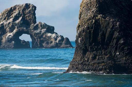 Cannon Beach「Numerous sea stacks are found along the Oregon Coast」:スマホ壁紙(17)