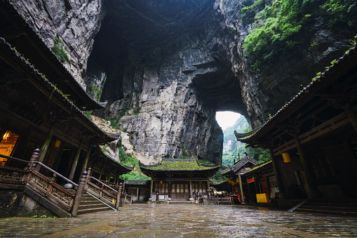UNESCO World Heritage Site「China, Sichuan Province, Wulong Karst, traditional houses, entrance」:スマホ壁紙(12)