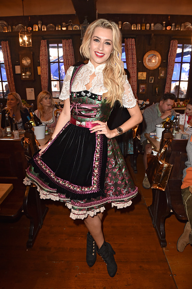 縦位置「Charity Lunch At 'Zur Bratwurst' - Oktoberfest 2017」:写真・画像(15)[壁紙.com]