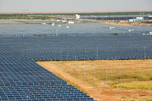 Rajasthan「Asia's largest solar power station, the Gujarat Solar Park, in Gujarat, India」:スマホ壁紙(18)