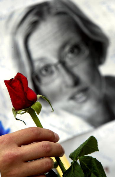 Swedish Culture「Memorial Service For Mudered Foreign Minister Anna Lindh」:写真・画像(11)[壁紙.com]