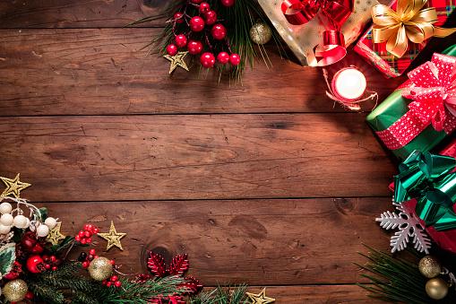星空「クリスマスライトとコピースペースとフレームを作るプレゼントと装飾。クリスマスのテーマ。」:スマホ壁紙(13)