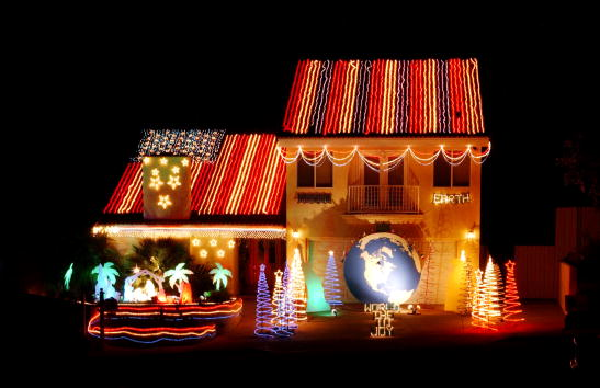 Christmas Decoration「Americans Get Into Holiday Spirit with Christmas Lights」:写真・画像(8)[壁紙.com]