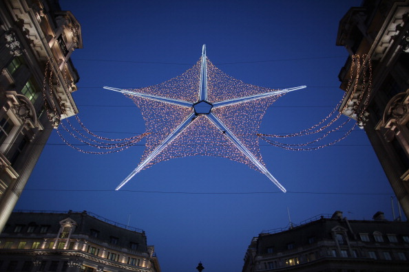 Christmas Decoration「London's Christmas Retail Rush Begins」:写真・画像(4)[壁紙.com]