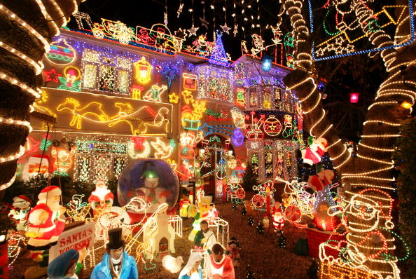 Christmas Decoration「Suburbia Lights Up For Christmas」:写真・画像(13)[壁紙.com]