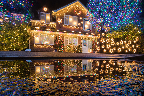 Christmas Decoration「'Britain's Most Festive Street' Lights Up Again」:写真・画像(0)[壁紙.com]