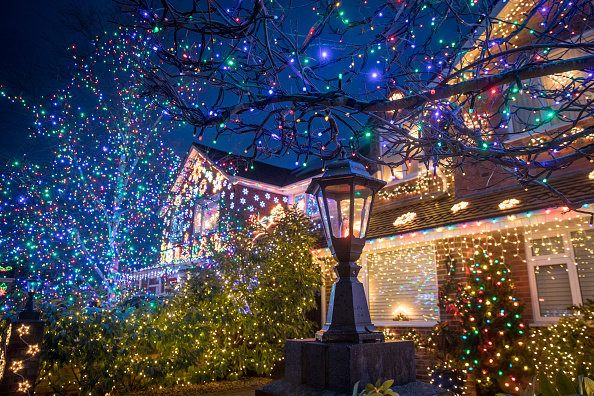 Christmas Lights「'Britain's Most Festive Street' Lights Up Again」:写真・画像(0)[壁紙.com]