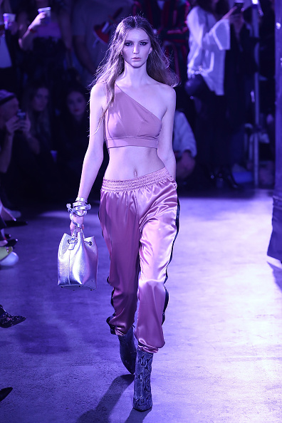 Satin Pants「Stolen Girlfriends Club - Runway - New Zealand Fashion Week 2017」:写真・画像(7)[壁紙.com]