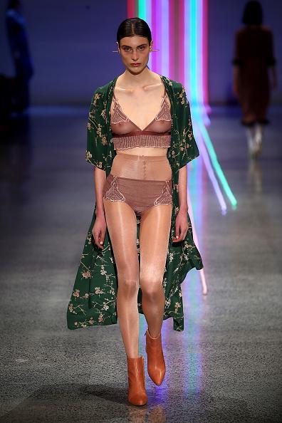ランウェイ・ステージ「Kate Sylvester - Runway - New Zealand Fashion Week 2017」:写真・画像(7)[壁紙.com]