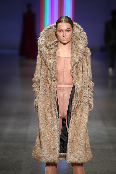 Fur「Kate Sylvester - Runway - New Zealand Fashion Week 2017」:写真・画像(16)[壁紙.com]