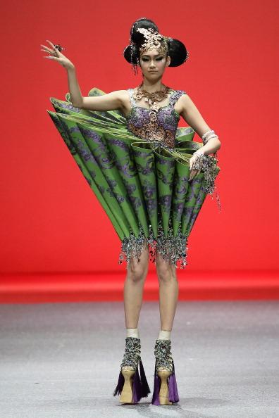 Strap「Fashion Week 2013 Singapore - Day 8」:写真・画像(8)[壁紙.com]