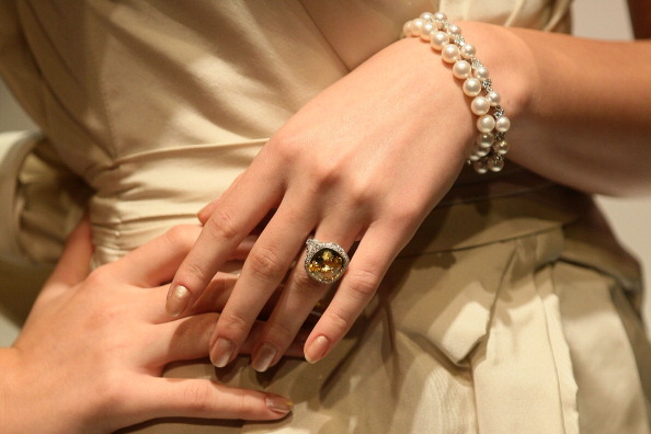 Fashion show「AFF 2011: Tiffany & Co - Backstage & Catwalk」:写真・画像(4)[壁紙.com]