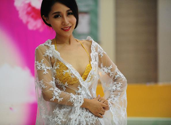 七夕「Underwear In Four Million RMB Shows In Shenyang」:写真・画像(15)[壁紙.com]