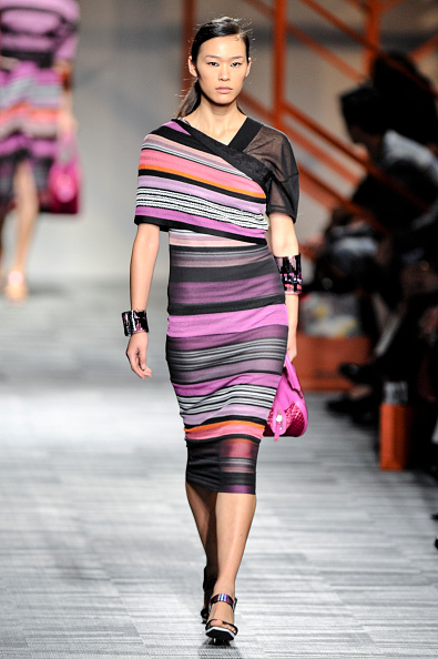 Form Fitted Dress「Missoni - Runway - MBFW Tokyo S/S 2014」:写真・画像(9)[壁紙.com]