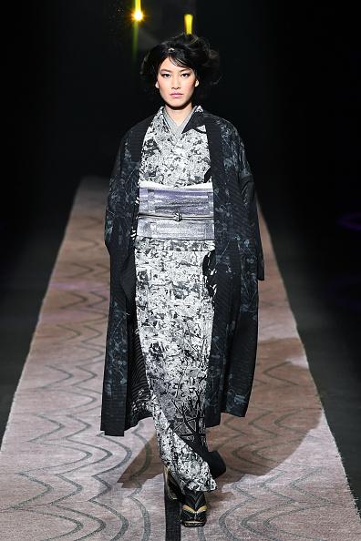 東京「JOTARO SAITO - Runway - Amazon Fashion Week TOKYO 2019 A/W」:写真・画像(5)[壁紙.com]