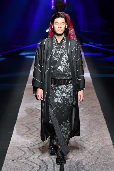 東京「JOTARO SAITO - Runway - Amazon Fashion Week TOKYO 2019 A/W」:写真・画像(7)[壁紙.com]