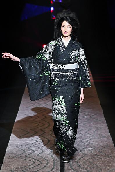 東京「JOTARO SAITO - Runway - Amazon Fashion Week TOKYO 2019 A/W」:写真・画像(17)[壁紙.com]
